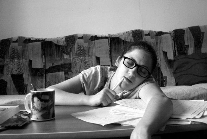 Dormind peste cursuri